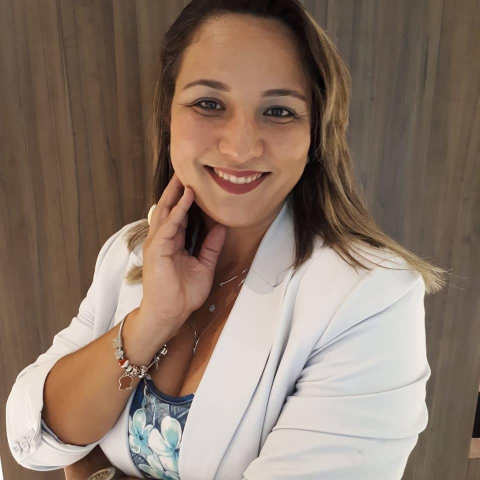 Fabiane Sousa Coach